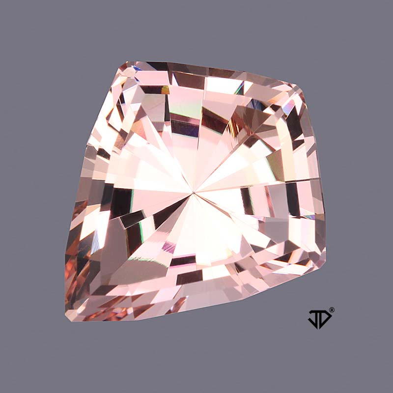 Morganite view 3